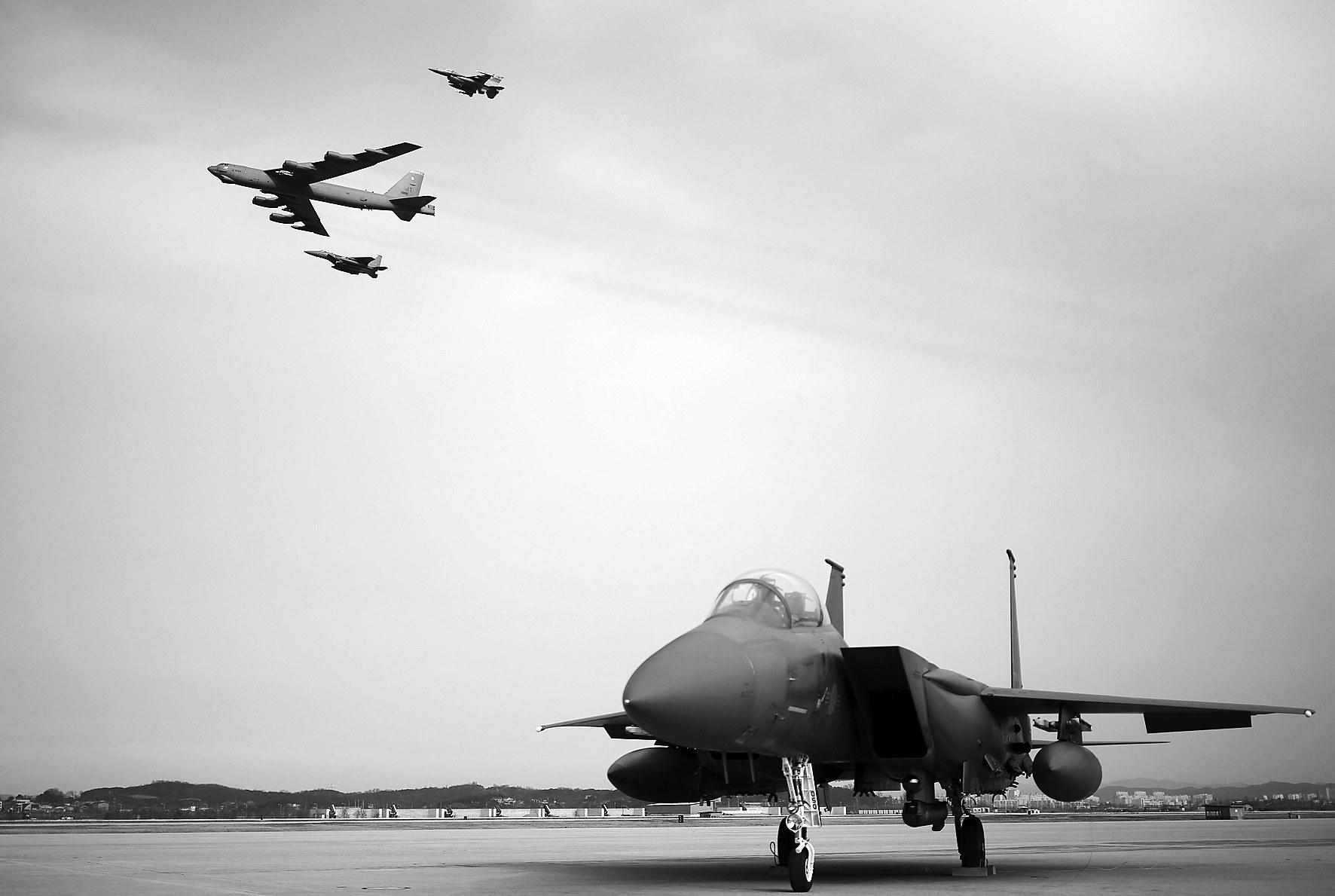 空军生活手绘画图片