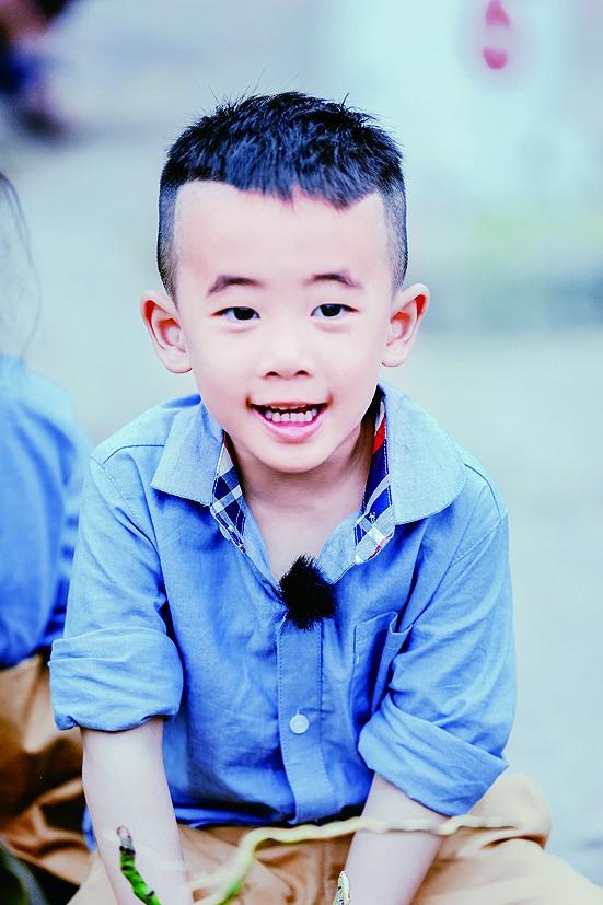 陈小春:小朋友说想去,就当暑期旅行吧
